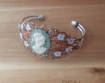 Hand-painted Green Cameo Bracelet