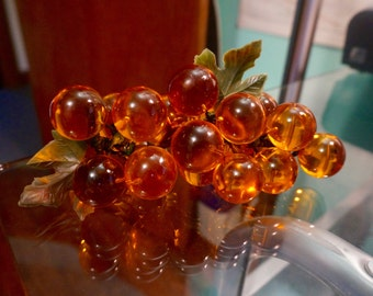 Acrylic Grapes; Approx 20 Grapes; Approx. 7 Inches Long; 3 plastic Accent Leaves; Vintage 1970's