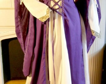 Medieval Dress Renaissance Gown LARP and Fantasy size M/L