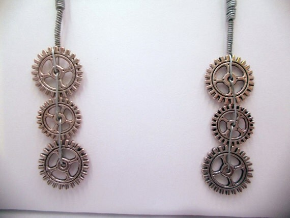 ClockWork Gearings - Clockwork Gear Earrings - ClockWork Earrings - Gear Earrings - Steam Punk Clockwork Earrings - Steam Punk Earrings