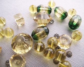 Vintage Citrus Yellow and Green Broken Necklace Lot  - Recycle - B-02YA-104-D