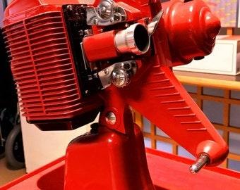 Cirse Nilus 8 mm projector.