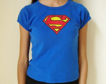SUPERMAN TEE -tshirt, geek, comics, warner bros, superhero, logo, sci-fi, batman, spiderman, marvel, crop top, cute, blue-