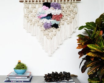 Modern Macrame wall hanging / contemporany Macrame / weaving /textile
