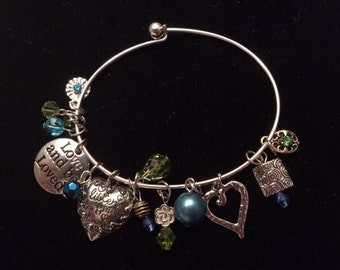 Romantic blues bracelet