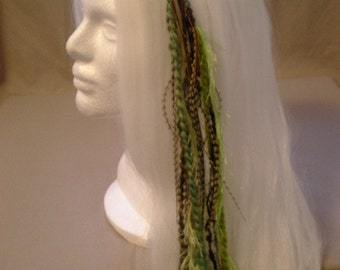 Green Galore Long Feather Hair Clip