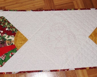 Hand stitched and quilted Christmas table runner or centerpiece