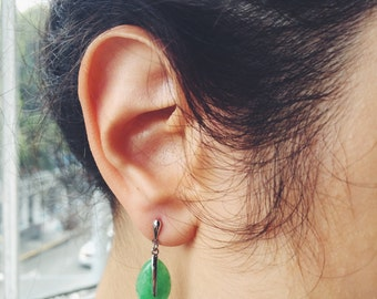 leaf-shaped jade stud earrings with silver pattern, jade jewelry, Chinese jade-silver jewelry, jade-silver stud earring