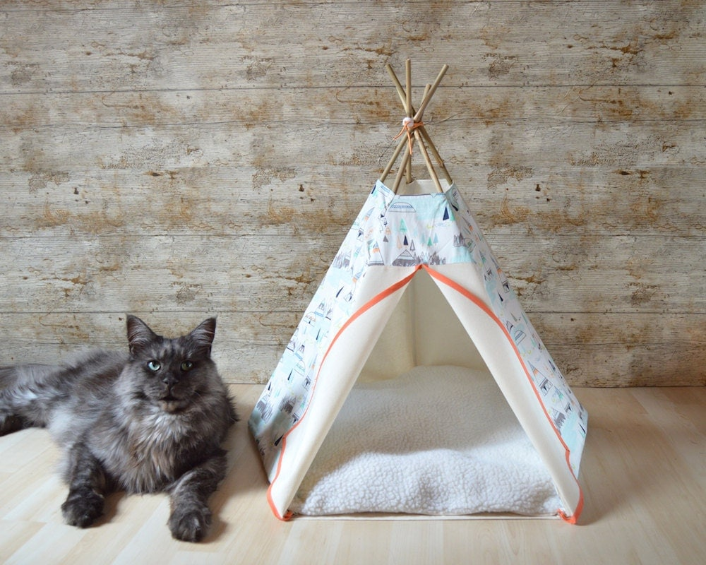 tipi chat tipi chien motif montagne sapin orange et bleu large. Black Bedroom Furniture Sets. Home Design Ideas