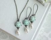 Mint Rose Flower Ivory Pearl Antiqued Brass Flower Necklace and Earring Set. Bridesmaid Gift Set. Cottage Country, Mint Wedding, Flower Girl
