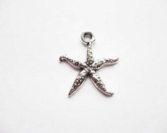 8 Delicate Starfish Charms in Silver Tone - C1111