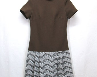 Vintage 60's 70's Mod Bleeker Street Double Knit Polyester Mock Turtleneck Mini Dress Brown Pleated Skirt Womans Size 8 Medium