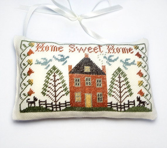 Decorative pillow Primitive country house by ReginaStitchery