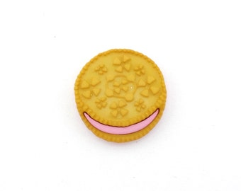 Sandwich Cookies - White Oreo Cookie - Tie Tack or Lapel Pin