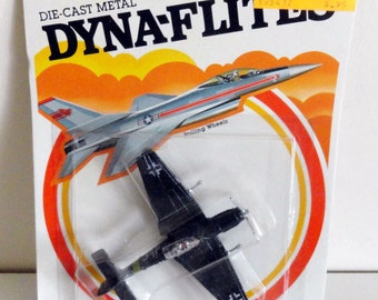 Vintage 1982 DYNA-FLITES Die-Cast Metal Airplane
