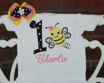 2 pc. Bee Birthday Bodysuit and Hair Bow! Baby Girl Bee Birthday Shirt! Bumble Bee Birthday bodysuit/1st birthday outfit/Bee birthday outfit