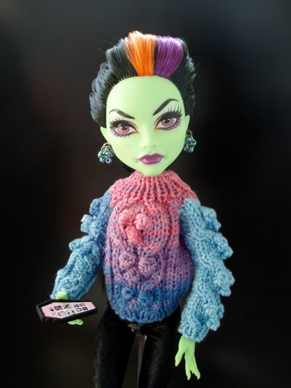 Knitting Patterns For Monster High Dolls : PDF Pattern High Fashion Monster Doll Clothes. by DollsDesire