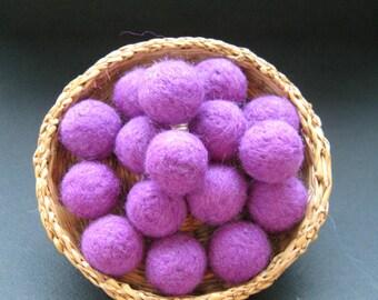 20mm Felt Balls, 20+ Wool Felt Balls, Wool Felted Balls, Felt Ball, Purple Felt Balls, Purple Pom Poms, Handmade Pompoms, 20mm beads