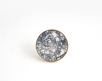 Minimalist brooch, Gold Brooch, Ceramic Brooch, Minimalist Jewelry, Leaf structure, Gift for her, Geometric Jewelry, Minimalist outfit,