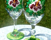 Hand Painted Wine Glasses With Green Bases And Wine Charms, Mother's Day Gifts, Birthday Gifts, Gifts For Her