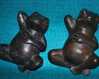 "Pair of Vintage ""Hanging Out"" Frogs"
