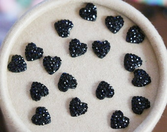 20pcs 8MM Paved Resin Rhinestone Resin Cabs Flat Back Black Resin Cabochon Craft Heart Cabs(No Hole)