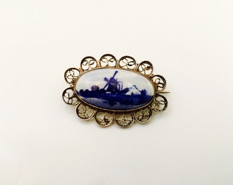 1950s Delft Silver Brooch. Dutch Porcelain Hand Painted Brooch. Blue and White.