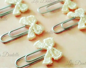 8 Shabby Embroidery Paperclip Bow in Off White/Cream Embellishment/Craft/Fabric/Scrapbooking/Wedding/Party