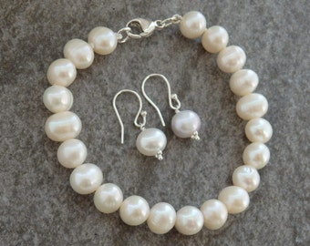 Freshwater Pearl Bracelet, Pearl Earrings, Matching Pearls, Pearl Bracelet, Bridal Pearls, Wedding Pearls