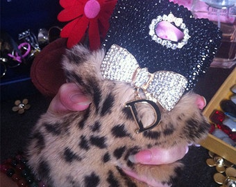 Bling Luxury Cheetah Print Soft Fluffy Fur Furry Sparkles Golden Bow Letter D Pendant Crystals Gems Rhinestone Hard Cover for Mobile Phones