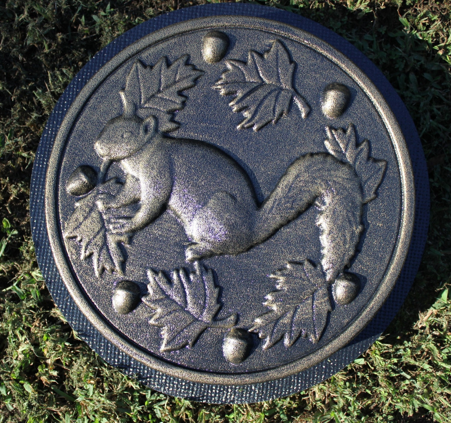 Garden Cement Molds: Squirrel Stepping Stone Mold Concrete Cement Mould Garden