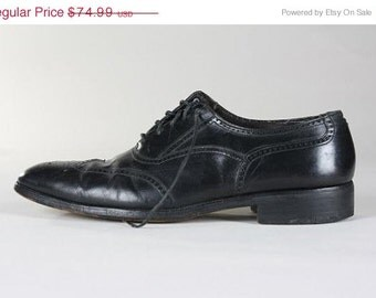 ON SALE Vintage Florsheim Shoe Black Leather Wingtip Oxfords 8