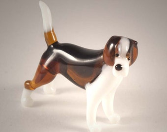 Beagle Glass Dog Figurine  (code 174)
