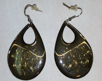 Olive Earrings with Ornate Gold Design