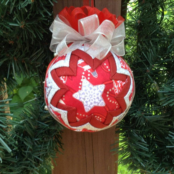 Christmas Tree Ornaments Quilted : Items similar to quilted fabric christmas ornament tree
