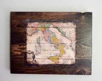 Vintage Wood Map of Italy Wall Art - 1742