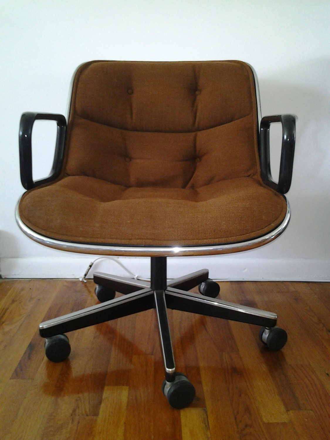 Mid Century Modern Charles Pollock For Knoll Office Chairs In