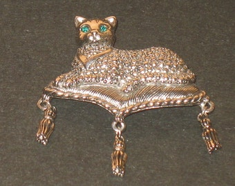 Vintage silver color cat on cushion by Avon mint