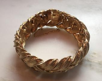 Vintage Boucher gold tone leafy bracelet