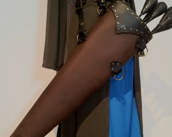 Quiver for arrows of life-size leather