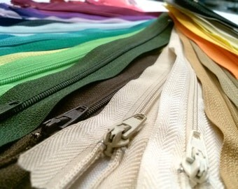100 Nylon Zippers 4 Inches Coil #3 Closed Bottom Assorted Colors (100 zippers)