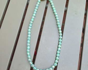 Vintage AB Mint Faceted Glass Bead Necklace with a Beautiful Clasp 0151