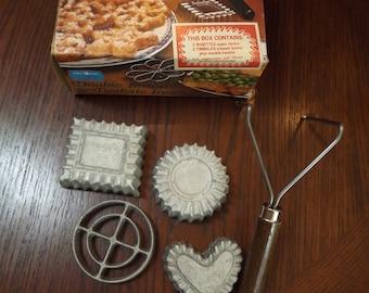 Vintage Nordic Double Rosette & Timbole Iron