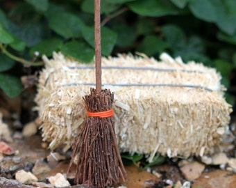Fairy Garden Witches Broom, Halloween Miniature Decorations, Fairy Fall Accessories, Dollhouse Broom, fairy Halloween