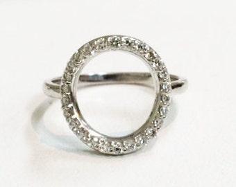 14k Gold Diamond Circle Ring