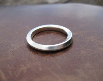 Mobius square section ring with 90 degree twist - Sterling silver - Men's and women's sizes