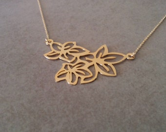 Gold Flower Necklace, Flower Necklace, Gold Pendant Necklace, Flower Jewellery, Wedding Jewelry, Everyday Necklace, Free Shipping, By Hila