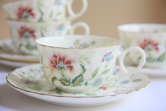 Set of Two Vintage Porcelain Cup and Saucers Exceed Bon 'Buckingham' by Keito Japan, Flower Pattern