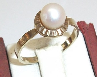 333 gold ring with freshwater pearl 16.5 mm GR119