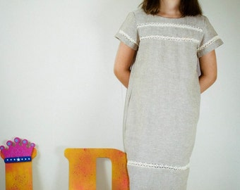 Linen dress with flower clip